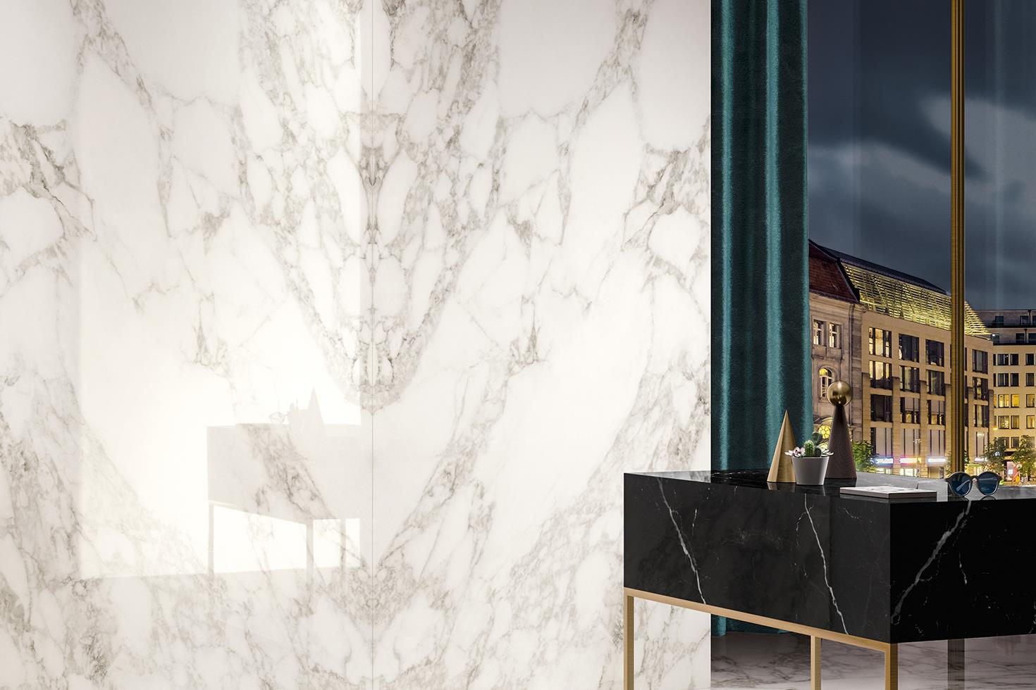 A mirror effect, inspired by the typical craftsmanship of marble